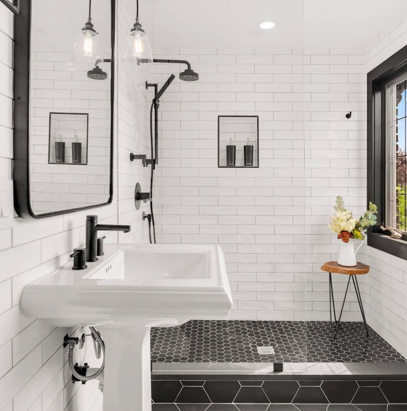 Luxury Bathroom Contrast ideas for you