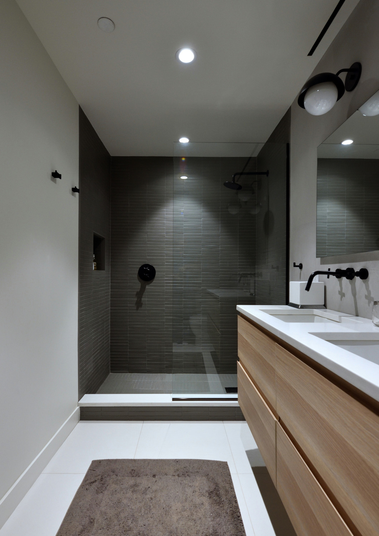 Luxury & Modern Bathroom Contrast