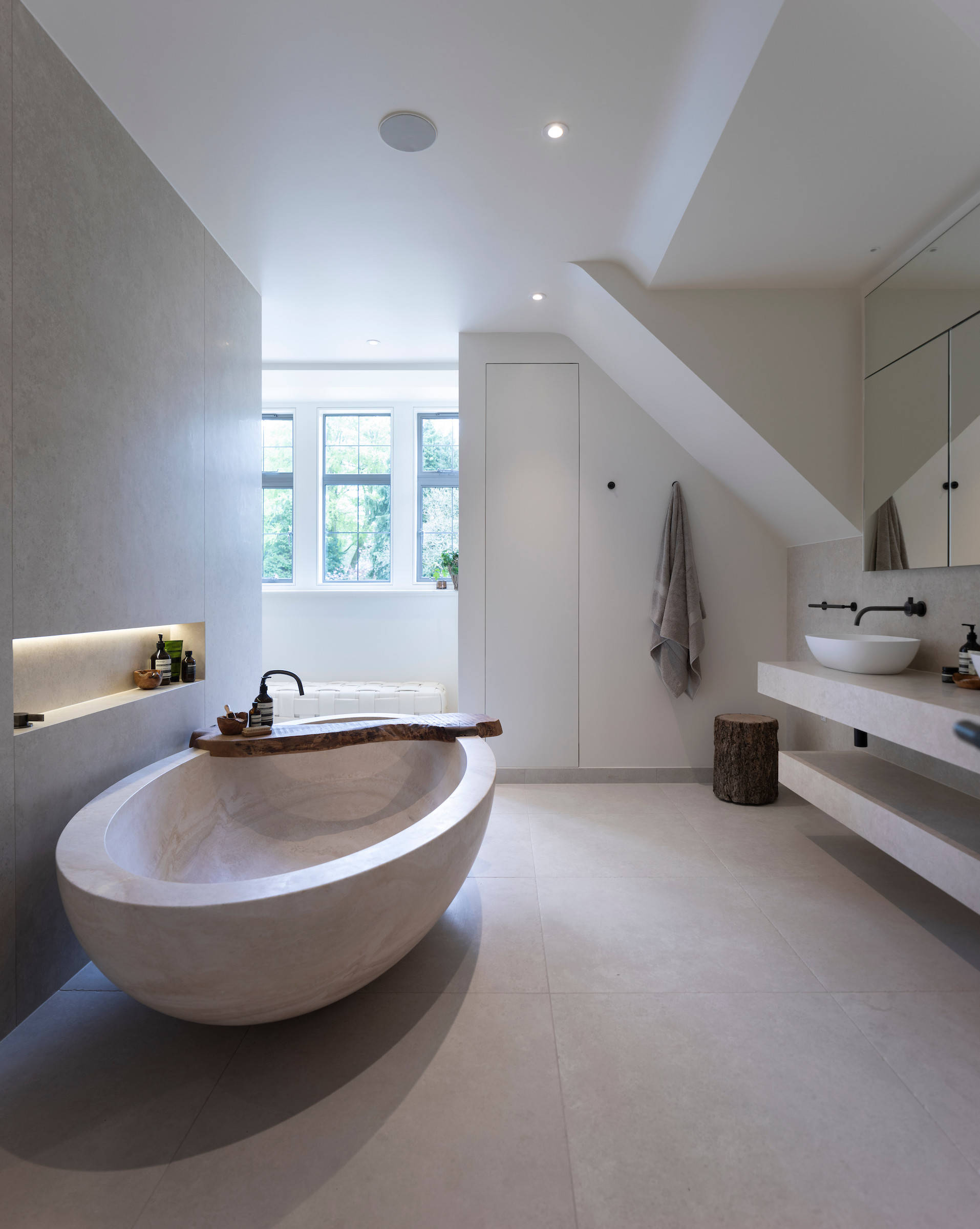 bathroom faucets with low maintenance decor