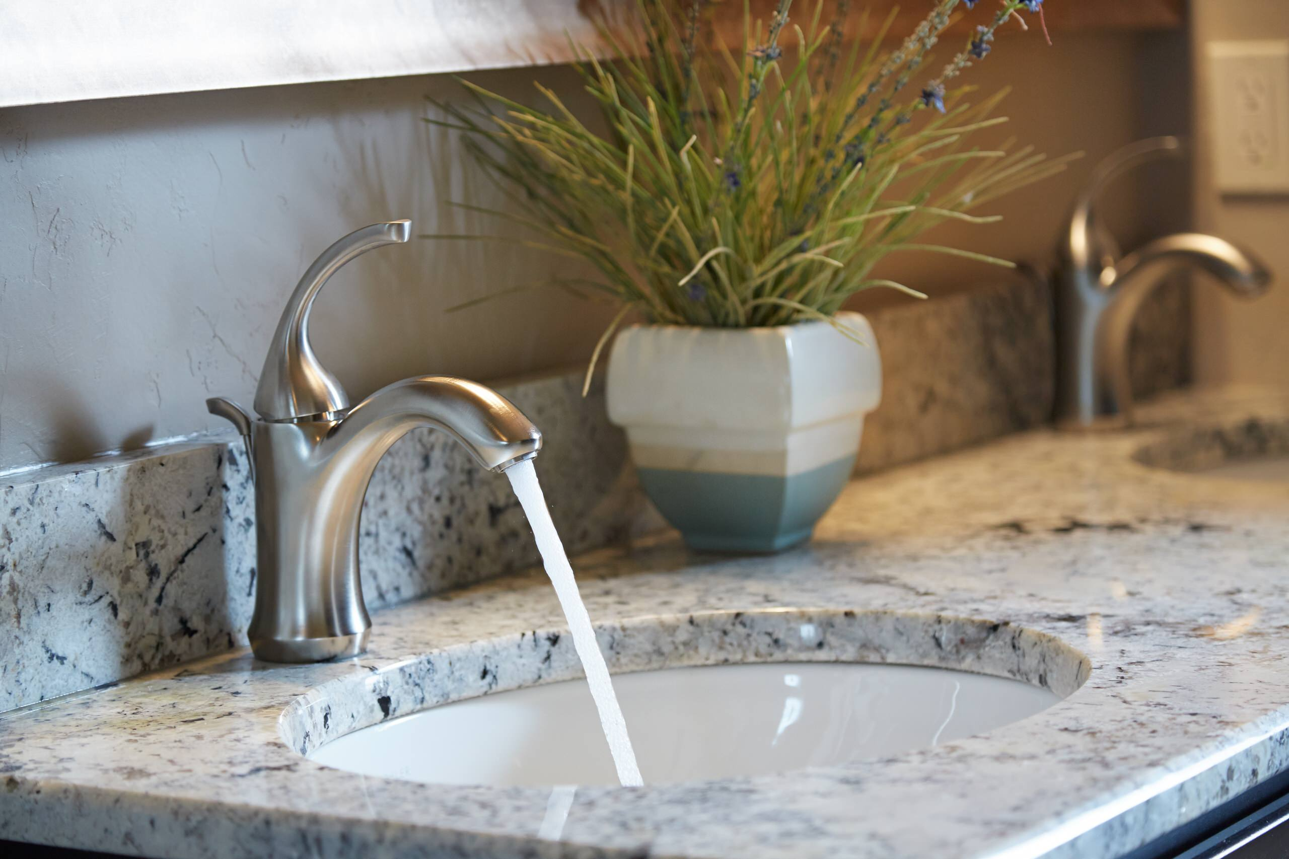 bathroom faucets with low maintenance elc