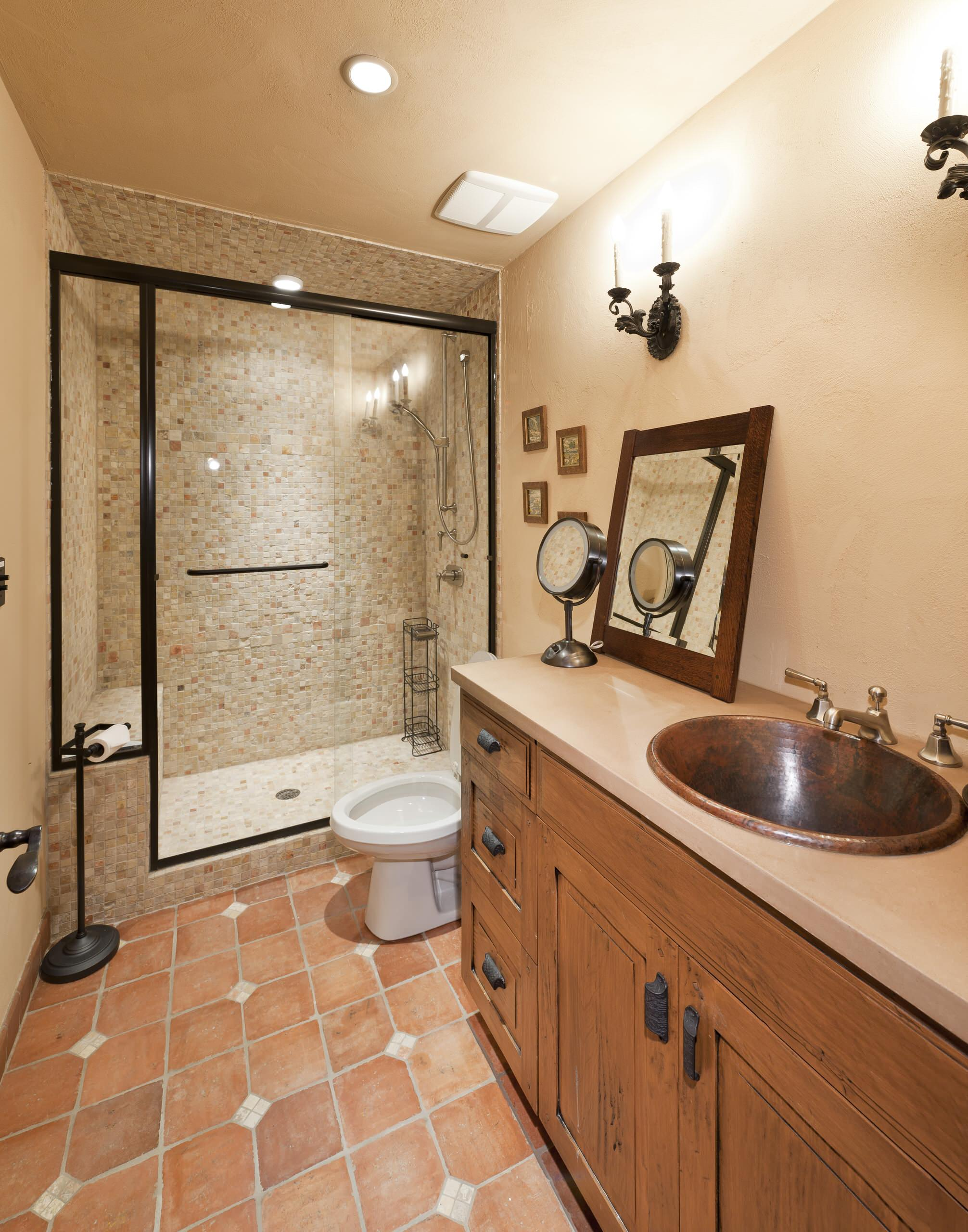 matching faucets with bathroom - traditional