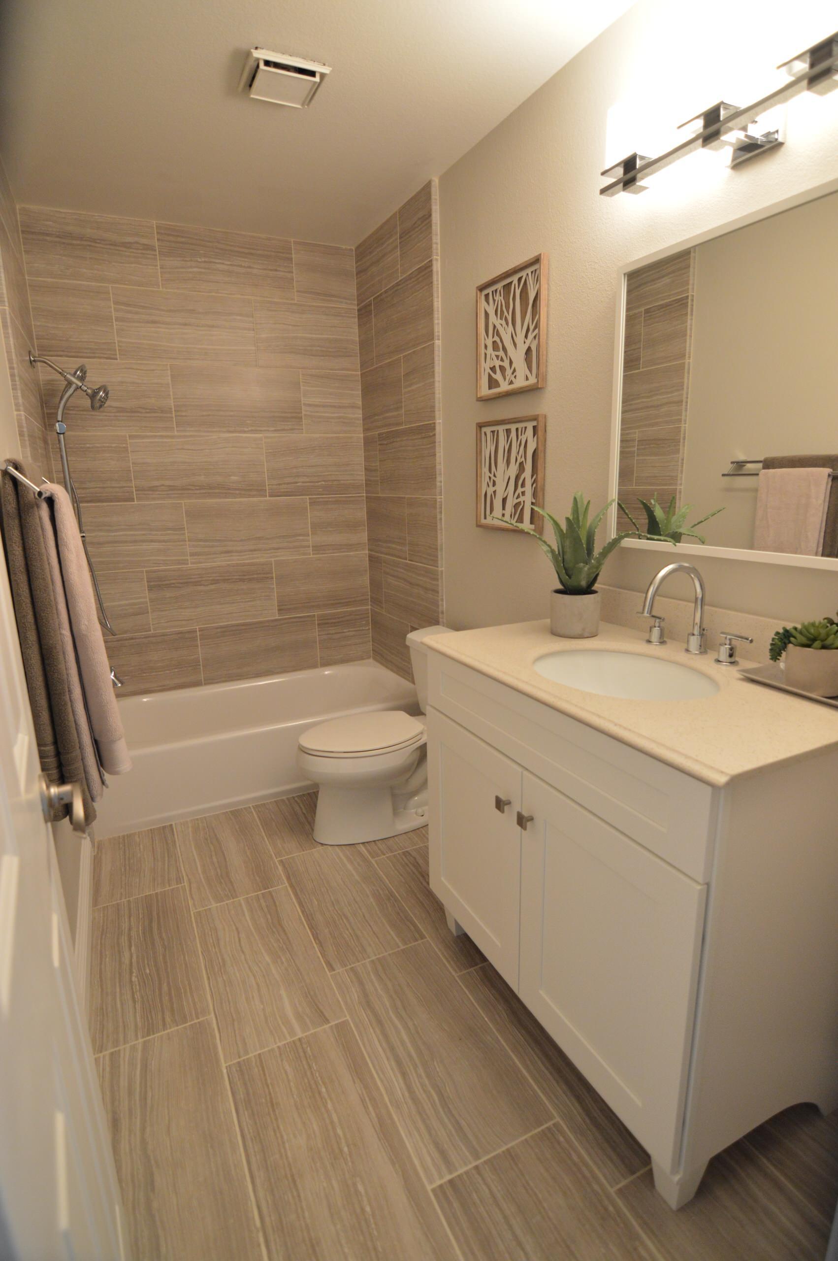 small & simple contemporany bathroom
